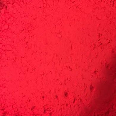 Rouge fluo écrasé